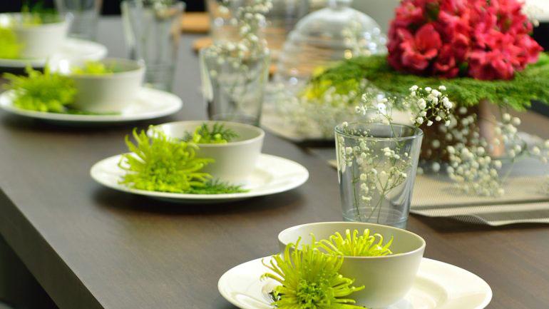 ไอเดียการจัดโต๊ะด้วยภาชนะภายในครัว