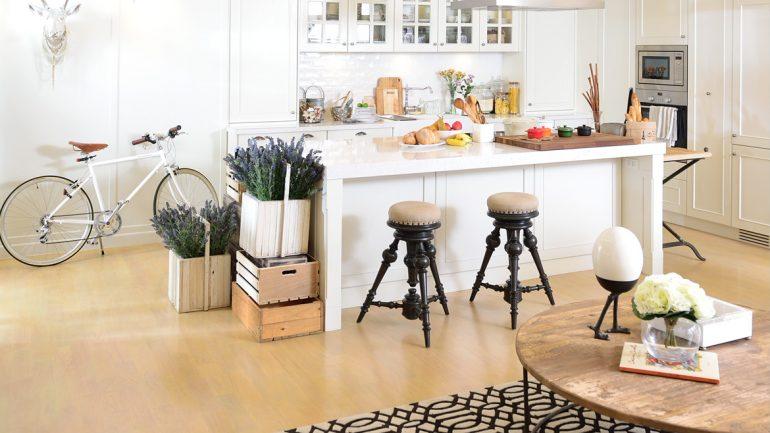 8 ตัวอย่างแต่งพื้นในครัว สวยแล้วยังใช้งานได้ยาวๆ