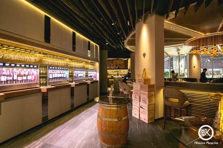RIEDEL1_บรรยากาศในร้าน Riedel Wine Bar & Cellar_re
