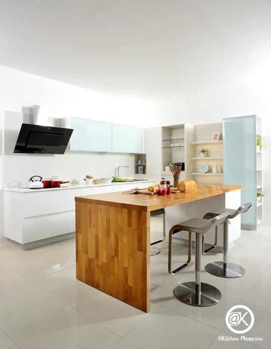 ชุดครัว, ฟังก์ชั่น, โต๊ะไม้