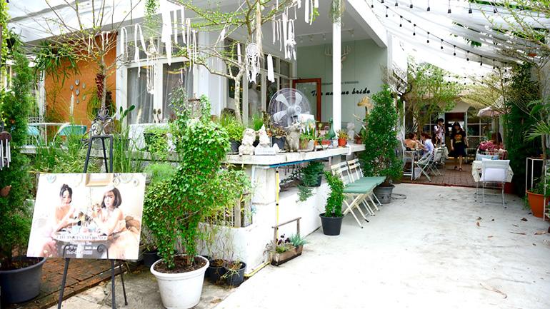 CHUANPISAMAI CAFE  คาเฟ่แสนหวาน และห้องเสื้อสุดวินเทจในย่านอารีย์