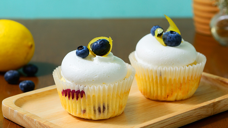Blueberry Lemon Cupcake  ขนมที่อบด้วยความสุข
