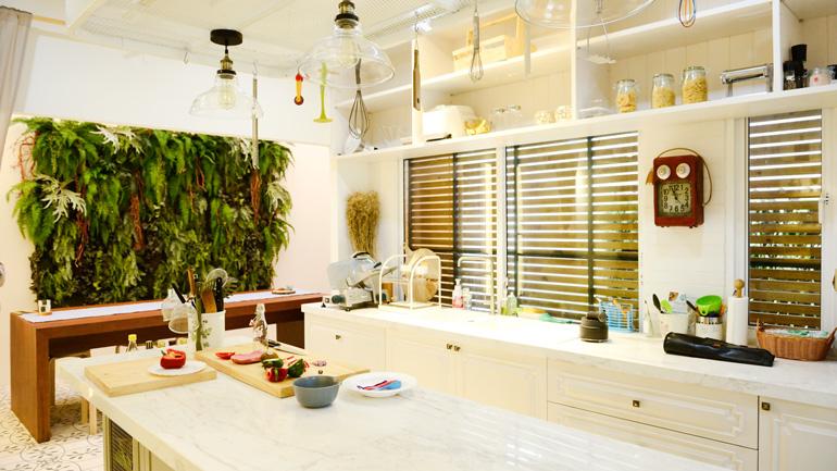 ยุบห้องนั่งเล่นเปลี่ยนลานซักล้าง กลายเป็นครัวหวานสไตล์ชิโนโปรตุกีส