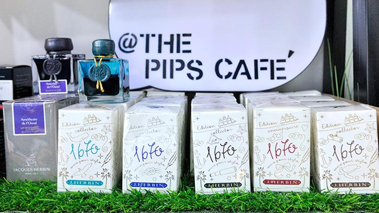 The PIPS Cafe ร้านนี้สำหรับคนรักเครื่องเขียน