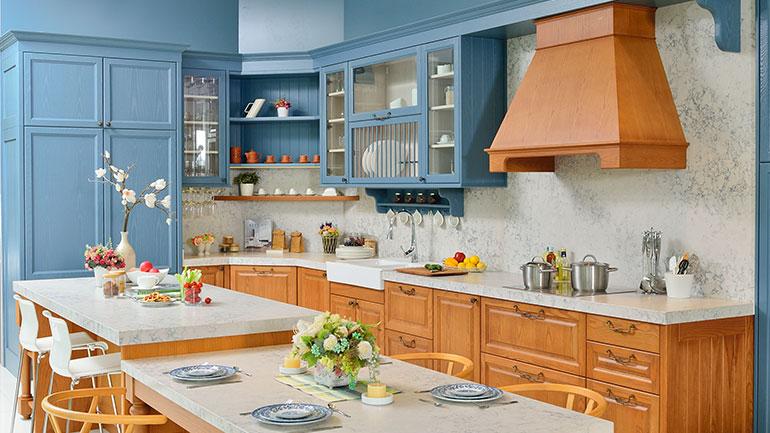 ครัวสีฟ้าผสมงานไม้ ทางเลือกใหม่ๆ สร้างบรรยากาศให้ครัวสวยหวาน