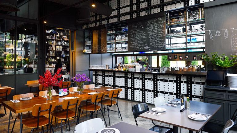 Greyhound Café  คาเฟ่สุดชิคของพัทยา