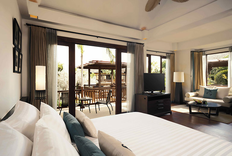 Terrace-Suite---King-Size-with-Sala-view.jpg-w