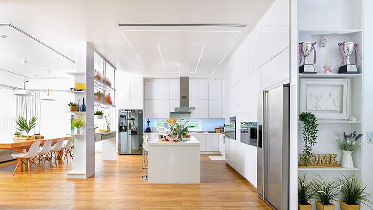 บ้านโมเดิร์นกับครัวสีขาว เรียบง่าย ฟังก์ชันครบ