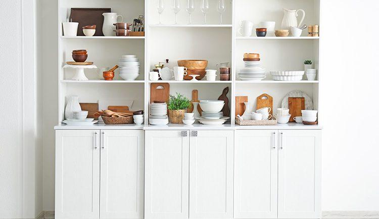 ทำครัวใหม่จะเลือกชุดครัวกึ่งสำเร็จรูปหรือชุดครัวสำเร็จรูปดีนะ
