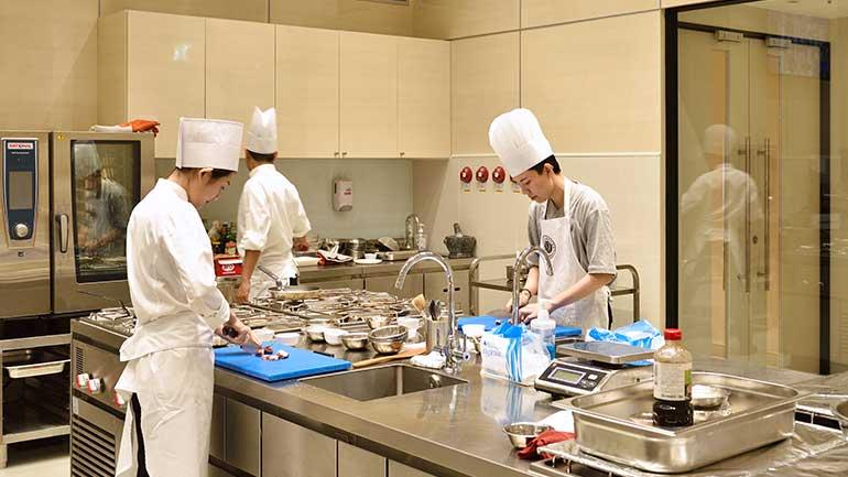 CULINEUR โรงเรียนศิลปะการอาหารสำหรับการเป็นเชฟมืออาชีพ