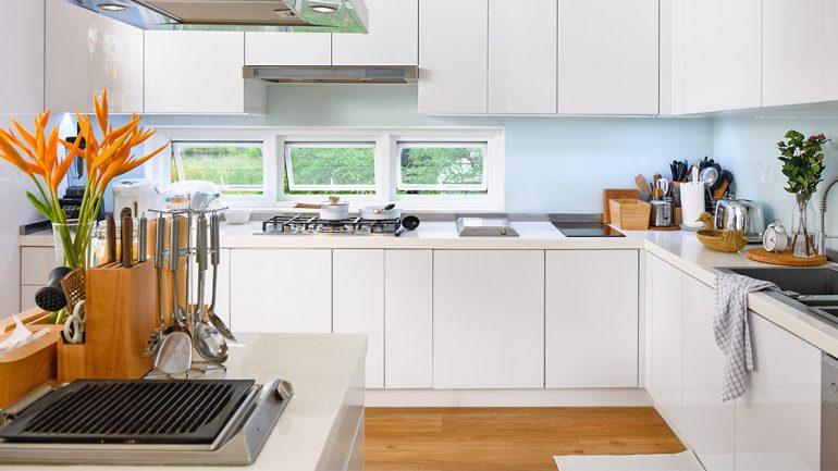ทริคทำความสะอาดหน้าบานและพื้นห้องครัวแบบง่ายๆ