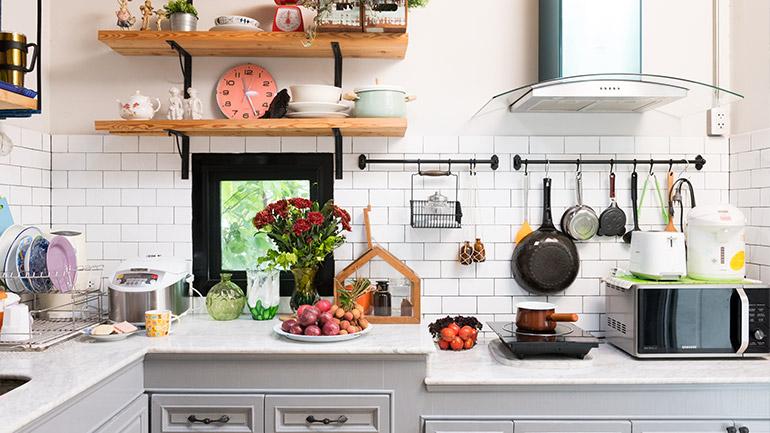 พาไปดูไอเดีย DIY ห้องครัวดีไซน์น่ารัก แต่งเองได้ ประหยัดงบสุดๆ