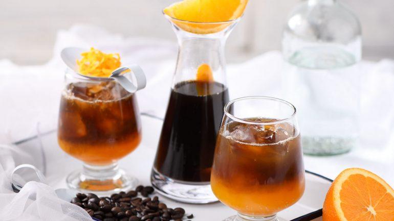กาแฟ คู่ น้ำส้มเพิ่มความซ่าด้วยโซดาสู้อากาศร้อน