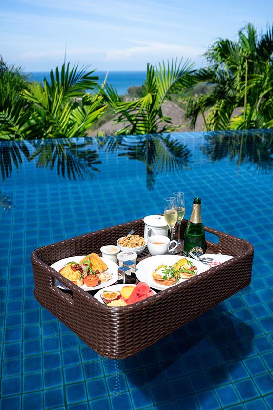 Pool-Breakfast_03