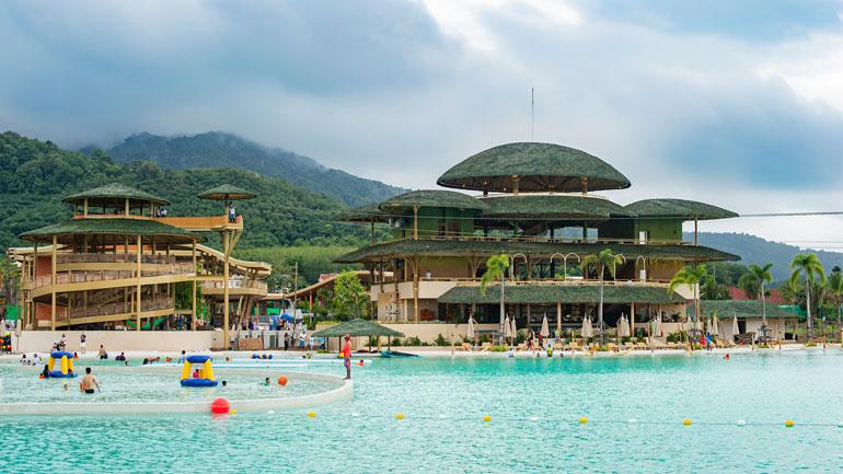 'บลูทรี ภูเก็ต' (Blue Tree Phuket) แลนด์มาร์คใหม่แห่งการพักผ่อน
